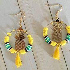 Diy Crafts Jewelry, Bracelet Crafts, Handmade Jewelry, Bar Stud Earrings, Beaded Earrings, Beaded Bracelets, Bead Jewellery, Beaded Jewelry, Jewelry Making