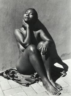 Manuel Álvarez Bravo (Mexican, 1902-2002) Espejo Negro (Black Mirror). | Auction 2877B | Lot 94 | Sold for $2,337