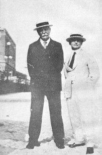 Sir Arthur Conan Doyle and Houdini (the spiritualist and the non-believer)