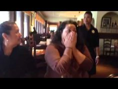 """[VIDEO] U.S. Soldier Pretends to be Waitress, Surprises Her Mom  Sister at Olive Garden  