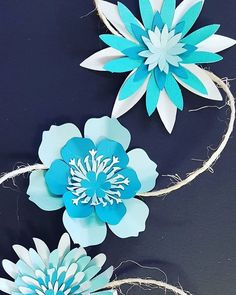 #papergarland in#blue #prettyblueflowers #smallpaperflowers #garlands #templates on our #etsy shop or visit our studio for all our #paperflowers and #decorations www.etsy.com/shop/ontrendideas the link is on our bio... Look forward to seeing you 💥:bo Crepe Paper Flowers Tutorial, Paper Flower Garlands, How To Make Paper Flowers, Paper Flowers Craft, Large Paper Flowers, Origami Flowers, Paper Roses, Small Flowers, Flower Crafts