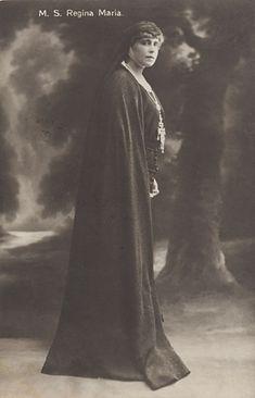Queen Marie of Romania Gallery Romanian Royal Family, Maria Feodorovna, Victoria, Ferdinand, Descendants, Vintage Photos, Real Life, Royalty, Moldova