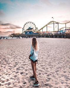 You won't be the same once you set on 🦶 in Los Angeles. It takes to feel that breeze to understand. Los Angeles is the destination. California Pictures, California Dreamin', Pier Santa Monica, Los Angeles Travel, Los Angeles Girl, Usa Tumblr, Foto Instagram, Photos Voyages, Travel Around The World