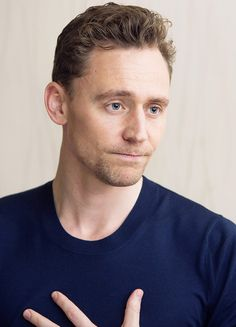 Tom Hiddleston at the Kong: Skull Island Press Conference at the JW Marriott at LA Live on February 19, 2017 in Los Angeles, California. Higher resolution image (UHQ): http://wx1.sinaimg.cn/large/6e14d388gy1fe9u6tnpjbj23vc2kwhdu.jpg Source: Torrilla http://m.weibo.cn/status/4092569212351055