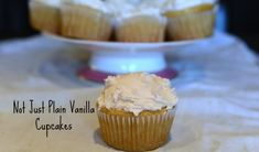 Not-Just-Plain Vanilla Cupcakes.Vanilla is a word used to describe the most boring, pedestrian, run-of-the-mill things in life but this is not the case and these cupcakes will prove it. Vegan Vanilla Cupcakes, Vanille Cupcakes, Fun Cupcakes, Cupcake Cakes, Amazing Cupcakes, My Recipes, Baking Recipes, Free Recipes, Vegan Recipes