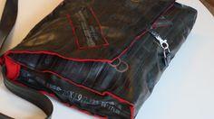 Endnu et projekt til min i forvejen alt for lange to-do-liste: en cykelslangetaske.  Bag made of bike tubes.