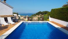 What a view!  Find this pool at one of the holiday homes listed on Holiday Noticeboard.  https://www.holidaynoticeboard.com
