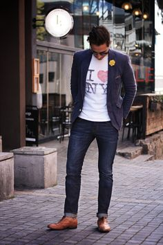 Blue Linen Blazer, I heart NY t shirt, yellow lapel flower, blue 1969 Denim in authentic skinny from Gap, and tan brogues