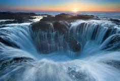 Thor's Well, Oregon,  USA