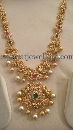 Sri Mahalaxmi Gems and Jewellers Designs - Jewellery Designs Jewelry Design Earrings, Gold Earrings Designs, Gold Jewellery Design, Necklace Designs, Gold Designs, Designer Jewellery, Jewelry Shop, Gold Jewelry Simple, India Jewelry
