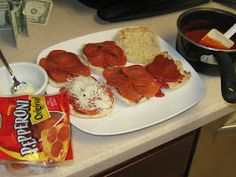 Quick lunch for the kids! Pizza Melts