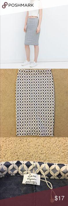 Zara pencil skirt Blue pencil skirt. No stains/holes/rips/ smell. Good used condition. Zara Skirts Midi