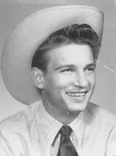 There is no Country music without Mr. Waylon Jennings. Look how young and cute he looks :)