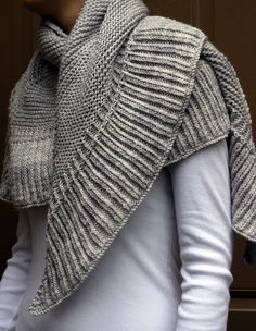 Renee Knits Too: FO ~ Mara Shawl  go to the link for free pattern @Madelinetosh