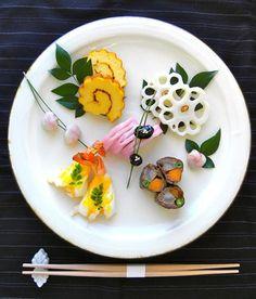 レシピや盛り付け方もあるよ♪知っておきたい「おせち料理」の基本 | キナリノ