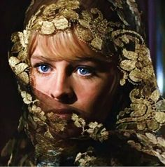 Julie Christie starred in Don't Look Now and Dr Zhivago. British Actresses, Hollywood Actresses, Actors & Actresses, Dr Zhivago, Doctor Zhivago, 14 Avril, Audrey Hepburn, David Lean, Katharine Ross