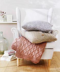 Kaunis torkkupeitto syntyy helposti tällä Kotilieden ohjeella Wingback Chair, Armchair, Free Knitting, Diamond Pattern, Free Pattern, Accent Chairs, Plaid, Blanket, Furniture