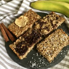 Éljen-éljen! Megvan a befutó! Végre én is találtam olyan zabkása variációt, ami kellőképpen jól indíthatja a reggelemet! Mindennek megfelel, ami az... Healthy Dishes, Healthy Recipes, Healthy Food, Dairy Free, Gluten Free, Warm Food, Granola, Sugar Free, Health Fitness