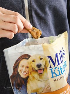 We all want the best for our pets. Milo's Kitchen® Homestyle Dog Treats are made with real chicken or beef. The same quality ingredients you expect in your food, now for your dog. #AD @Walmart @MilosKitchen