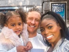 Gorgeous interracial couple with their adorable daughter Cute Family, Baby Family, Family Goals, Couple Goals, Modern Family, Cute Relationship Goals, Cute Relationships, Interracial Family, Interracial Wedding