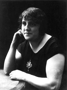 Clementina Arderiu ( 1889-1976), poetess http://www.lletra.net/en/author/clementina-arderiu