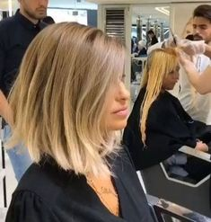 Ombre Remarkable Blonde Ombre Bob Hairstyles 2019 for Women to Look Prominent This. Alpingo Balayage , Remarkable Blonde Ombre Bob Hairstyles 2019 for Women to Look Prominent This. Remarkable Blonde Ombre Bob Hairstyles 2019 for Women to Look . Short Curly Hair, Short Hair Cuts, Curly Hair Styles, Cool Short Hairstyles, Long Bob Haircuts, Wet Hairstyles, Blonde Hairstyles, Pretty Hairstyles, Hairstyles For Over 40