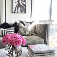 Mornings at home ...... with flowers. #decor #design #citylife #nyc