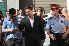 Leo Messi ha acudido, sonriente y tranquilo, al juzgado de Gavá para prestar declaración por un presunto delito de fraude fiscal estimado en 4,1 millones de euros.