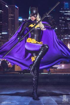 Character: Batgirl (Stephanie Brown) / From: DC Comics 'Detective Comics' & 'Batgirl' / Cosplayer: Jenifer Burnett (aka Jenifer Ann, aka OJeniferAnn) / Photo: David Love Photography (truefd) Batgirl Cosplay, Dc Cosplay, Batman And Batgirl, Superhero Cosplay, Cosplay Outfits, Best Cosplay, Cosplay Girls, Cosplay Costumes, Batgirl Logo