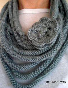 Beautiful Rose Medusa Scarf.  Free Knitting Pattern. Such a simple idea! I just made one long I-cord. This is delish! Knitted Necklace, Scarf Necklace, Knit Cowl, Knit Or Crochet, Crochet Scarves, Crochet Clothes, Knitting Scarves, Crochet Flower, Loom Knitting