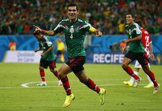México habla en la cancha, vence a Croacia y está en octavos  El equipo Tricolor se impone 3-1 al conjunto balcánico; los de Herrera clasifican como segundo lugar de grupo y enfrentarán el domingo a Holanda