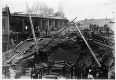 Extensive earthquake damage on South First Street.    Damage in San Jose, California following the 1906 Earthquake.    Collection: Historic Photograph Collection (SJPL California Room)  Date: April 18, 1906