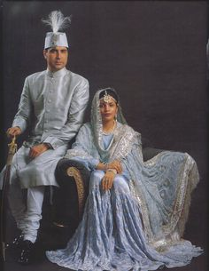 The Nawab Kazim Ali Khan with Begum Yaseen Sultan Jahan of Rampur, Uttar Pradesh. Pakistani Dresses, Indian Dresses, Indian Outfits, Ethnic Fashion, Indian Fashion, Vintage India, Hijab Style, Indian Ethnic, Royal Indian