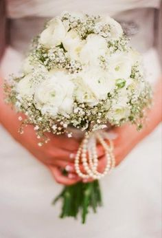 White rose and babys breath bouquet (Photo by jHenderson Studios)