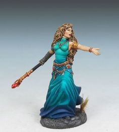 Female Mage with Staff. Sculpted by Patrick Keith. Painted by Jessica Rich.