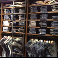 Would like to incorporate something similar in a big closet... Jean wall!