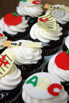 teacher retirement party | Great cupcakes for a retirement party for a teacher!