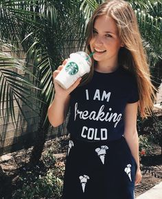 Joy is in Amerika lekker starbucks aan het drinken #starbucks #Beautynezz#youtube