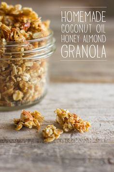 Wonderfully sticky and clumpy, this Homemade Coconut Oil Honey Almond Granola will make your day! The Best Homemade Maple Granola Build Your Own Homemade Granola (Muesli) Real Food Recipes, Cooking Recipes, Yummy Food, Coconut Oil Recipes Food, Cooking Tips, Healthy Snacks, Healthy Eating, Healthy Recipes, Homemade Coconut Oil