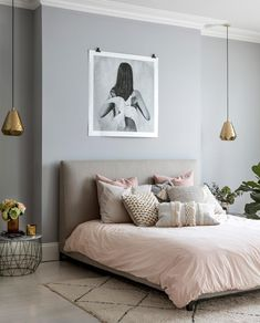 Awesome 39 Adorable Grey Color Bedroom Wall Ideas For Elegant Room. Pink And Beige Bedroom, Gray Bedroom Walls, Grey Bedroom Decor, Bedroom Wall Colors, Decoration Bedroom, Art For Bedroom, Bedroom Styles, Living Room Inspiration, My New Room