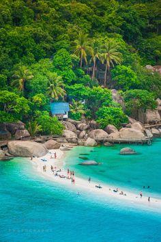 Nangyuan Island, Koh Tao, Thailand http://tracking.publicidees.com/clic.php?promoid=127874&progid=515&partid=48172