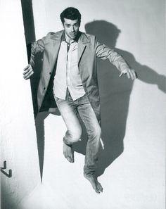 Luca Argentero wears Dondup - Glamour Italia Magazine Man, Sexy Toes, Male Feet, Long Pants, Barefoot, Joker, Glamour, Mood, Suits