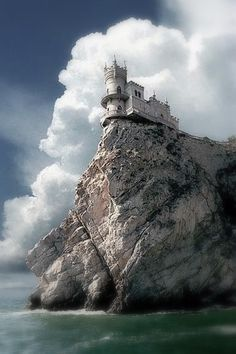 Swallows Nest Sea Castle, Crimea.Can you imagine the view from here!