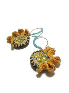 Campo di grano al sole - Rouched Crochet Earrings yellow brown aqua