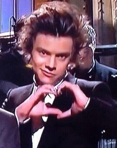 CAN WE TALK ABOUT HOW HARRY DID THIS ♡---QUIT SPOILING I CANT WATCH IT YET!