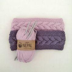 gurimalla: Pannebånd igjen. Crochet Headband Pattern, Knitted Headband, Knitted Hats, Knitting Yarn, Knitting Patterns, Crochet Patterns, Norwegian Knitting, Knitted Flowers, Headbands For Women