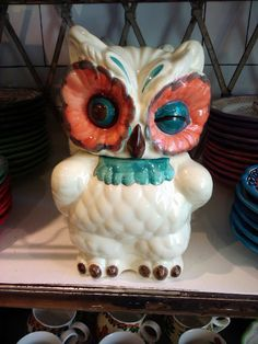 Winking Owl, need this to match my salt and pepper shakers Crazy Owl, Whimsical Owl, Owl Ornament, Beautiful Owl, Orange You Glad, Vintage Cookies, Baby Owls, Cute Owl, Always Love You