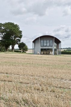 Shortridge is a house designed by Giles Jollands Barn House Conversion, Barn Conversions, Barn Renovation, Cottage Renovation, Quonset Hut Homes, Cabin Homes, Log Homes, Contemporary Barn, Modern Barn