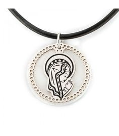 Colgante de nácar de 30 mm con virgen niña de plata de primera ley. #colgante #pendant #joyas #jewelry #plata #silver
