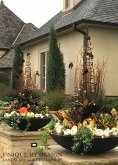 Seasonal Fall Containers l Unique by Design  #UniquebyDesignLandscape